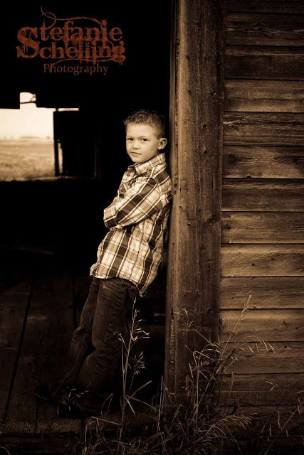 Stefanie Schelling Photography: Family photos at the barn - [Kalispell family photographer]