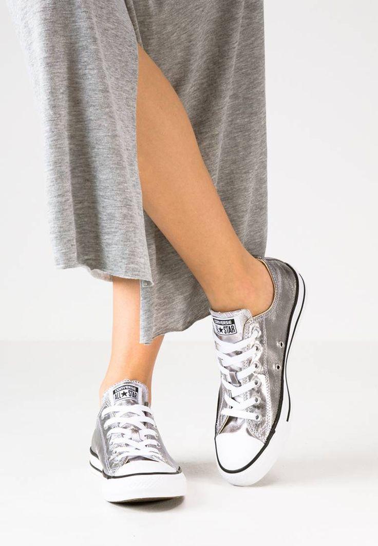 Converse. CHUCK TAYLOR ALL STAR - Baskets basses - gunmetal/white/black. Semelle de propreté:textile. Semelle d'usure:matière synthétique. Dessus / Tige:textile. Doublure:textile. Fermeture:laçage. Bout de la chaussure:rond. Motif / Couleur:couleur unie. Forme du talon:...