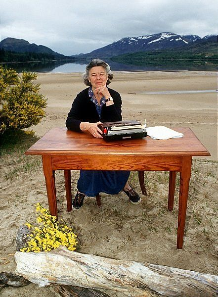 Fantastic pic of Rosamunde Pilcher - one of my favourite authors.