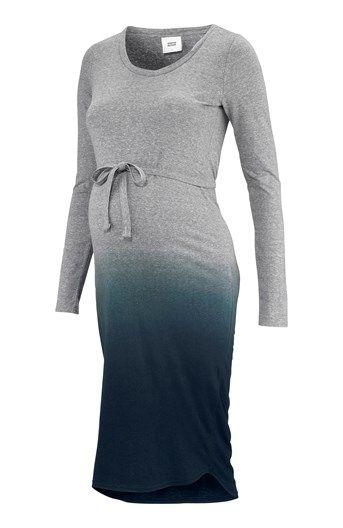 Príjemné šaty z batikovaného džerseja od značky Mamalicious. Jednoduchý model s dlhými rukávmi, dostatkom miesta pre rastúce bruško, okrúhlym výstrihom a odnímateľným opaskom na previazanie. Mierne... Materiál: 50% polyester, 35% bavlna, 15% viskóza. Pokyny pre pranie: Pranie pri 40 °C.