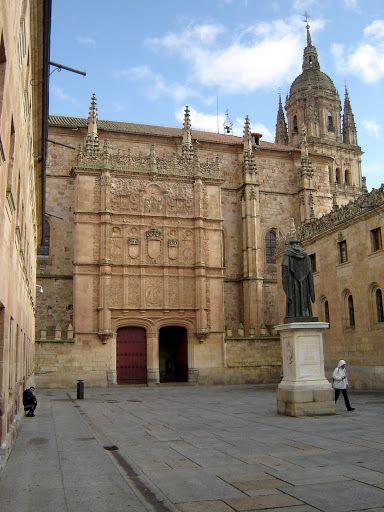University of Salamanca  © Robert Bovington  http://bobbovington.blogspot.com.es/2011/11/salamanca.html