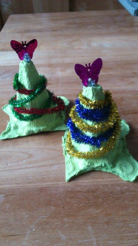 Kerstboompje gemaakt van eierdoos door Lone
