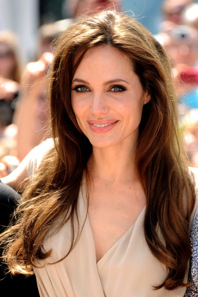 Angelina Jolie - love her hair and make-up here. THIS is what I'm trying to accomplish!
