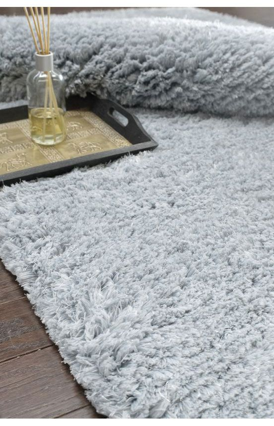 Rugs USA Grace Soft Shag Lt Grey Rug. Rugs USA Labor Day Sale up to 80% Off! Area rug, rug, carpet, design, style, home decor, interior design, pattern, trends, home, statement, fall, autumn, cozy, warm, sale, discount, interiors, house, free shipping, shag, fluffy.