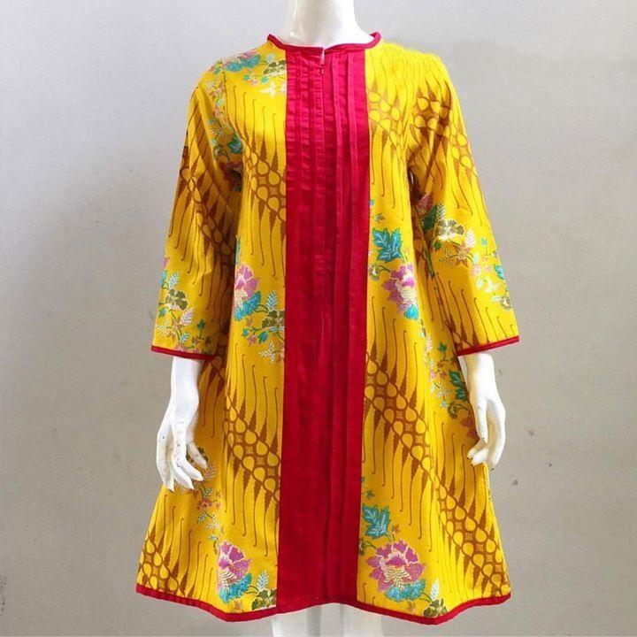 Dara (yellow) als  Size/Lingkar dada:  M 90cm L 92cm XXXL 120cm  Panjang  baju 93cm Panjang lengan 50cm  Resleting depan nursing friendly  Material : Batik Printing premium bahan katun primisima dengan kombinasi twill obsenel (lembut adem dan tidak menerawang)  . . CP  LINE @bebatikanjogja (pakai '@')  WA 081904019099 (slow response)  Toko Baju Batik Modern | http://ift.tt/2flJQTw