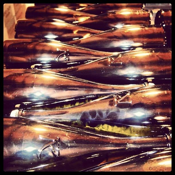 """@roncocalino's photo: """"Le bottiglie e i lieviti durante la rifermentazione. #franciacorta #vino #metodoclassico #bottiglie #lieviti #rifermentazione #italia #lombardia #instaitalia #wine #bottle #rifermentation"""""""