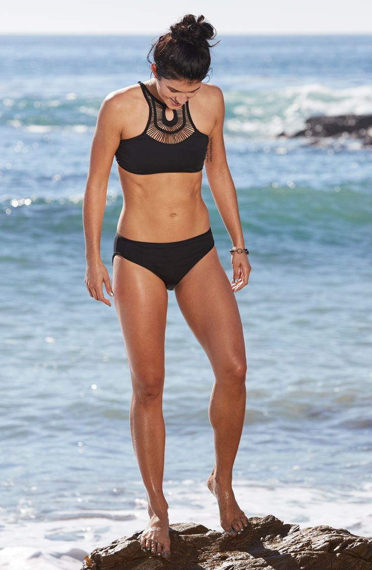 Get on trend this swimsuit season with the CALIA™ by Carrie Underwood High Neck Crochet Bikini Top. This super cute style features an amazing crochet detail in the front and thin, supportive straps at the back. Fully lined ensuring ample coverage. A body-hugging fit and bodyFREE technology enhance durability so you can flaunt this modern swim top for seasons to come.