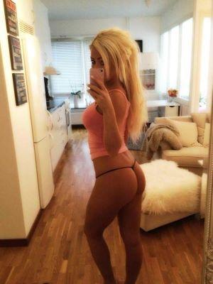 Las vegas hot girl selfie