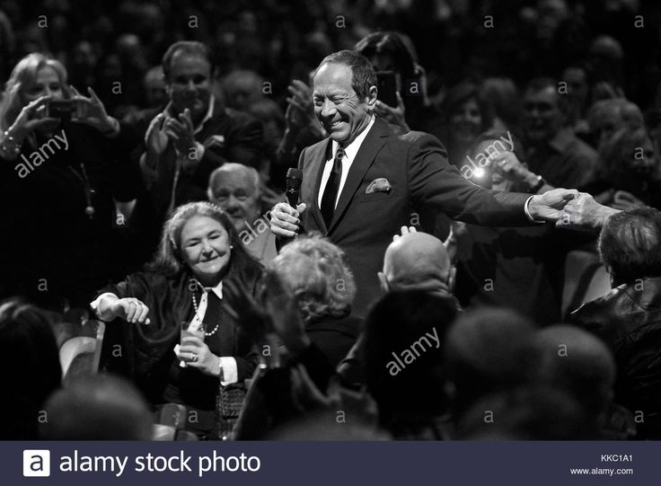 Download this stock image: FORT LAUDERDALE, FL - JANUARY 13: Paul Anka performs at The Broward Center. Paul Albert Anka, OC is a Canadian-American singer, songwriter, and actor on January 13, 2016 in Fort Lauderdale, Florida.  People:  Paul Anka - KKC1A1 from Alamy's library of millions of high resolution stock photos, illustrations and vectors.