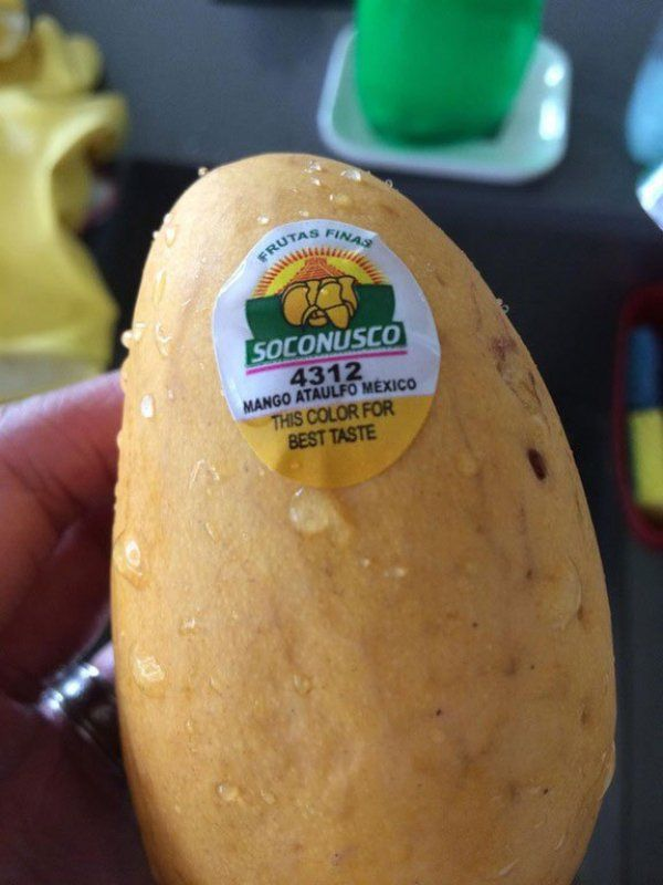 A sticker that helps you choose the perfect mango based on color.