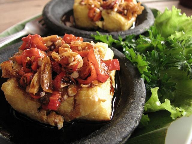 Tahu Gejrot - makanan tradisional dari Cirebon, Indonesia. #PINdonesia