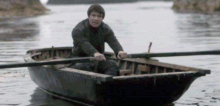 Pobre Gendry. O personagem está remando sua canoa desde o final da terceira temporada de Game of Thrones e, aparentemente, nunca mais o veremos. Mesmo em uma temporada cheia de retornos, inclusive de personagens que não eram vistos desde a primeira temporada, nada foi dito sobre o bastardo do Rei Robert. Em uma nova entrevista, …