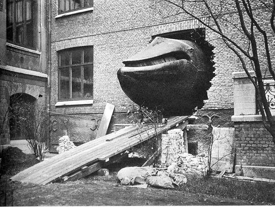 Malmska valen på väg in i Naturhistoriska museet.