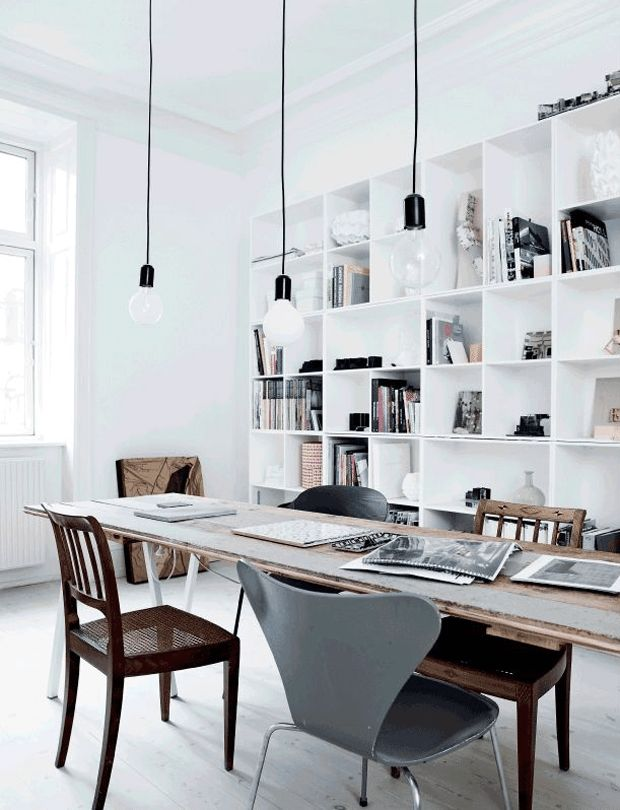 Stunning and simple all white dining room - scandinavian influence.