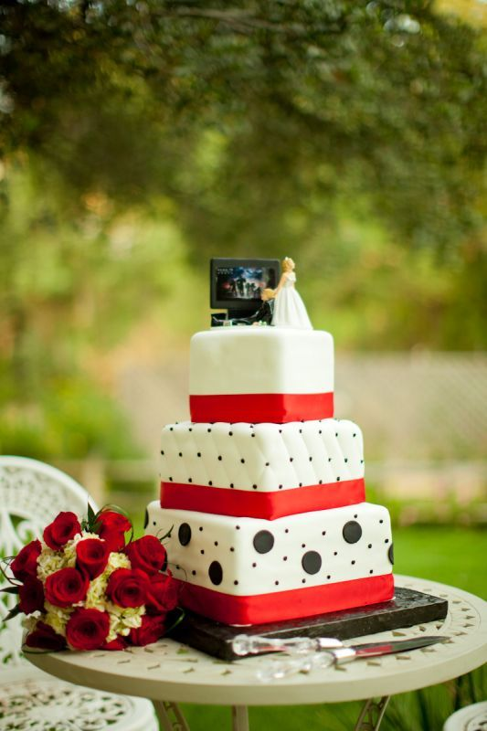 Red, black wedding cake