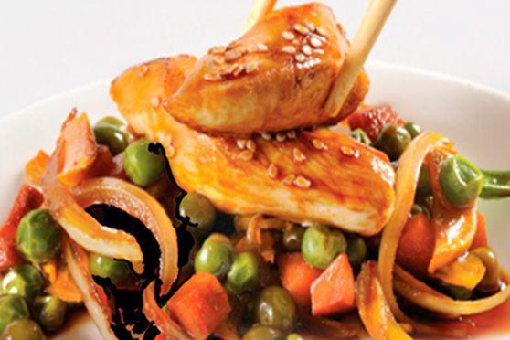 Julianas de Pollo en Salsa Teriyaki y Arroz con Queso Parmesano y Perejil