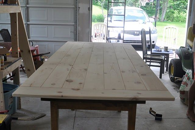 farm table diy {just had a DUH moment, take off the oval oak table top to ours, add new wood in rectanuglar shape, stained dark! Or make a dark wood overlay that sits over the old oak top}