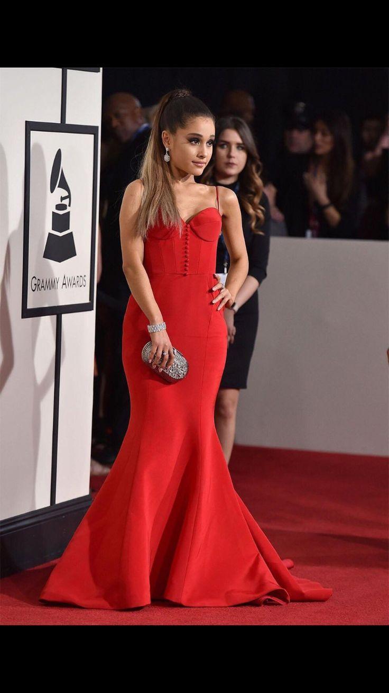 Ariana grande 2016 Grammy red carpet