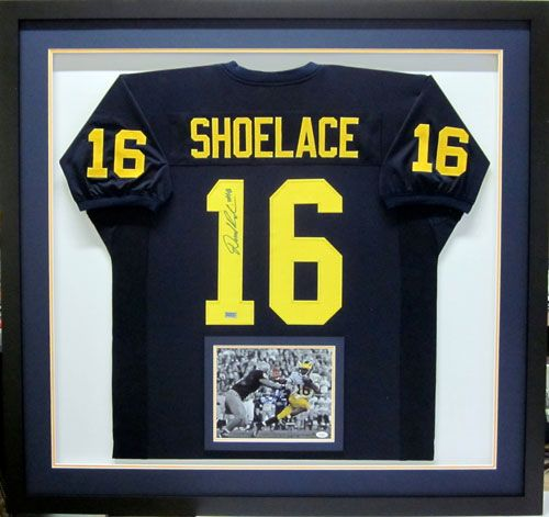 39 best Sports Memorabilia Framing -- Tami\'s Fastframe of Eagan ...