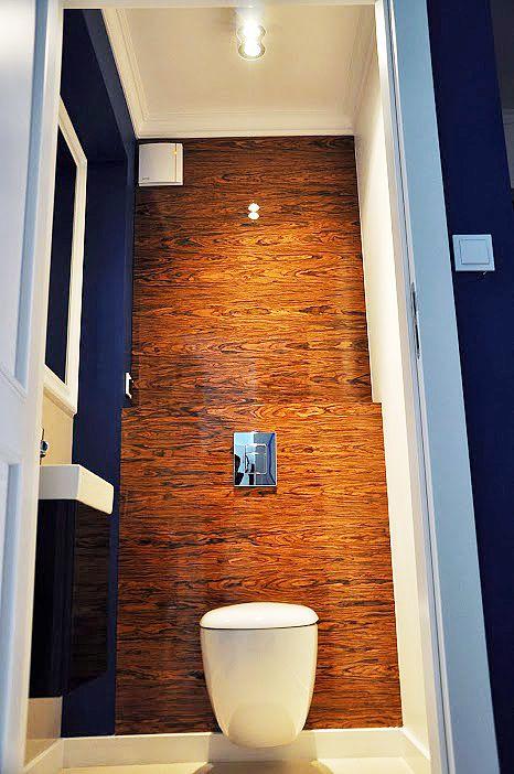 Toaleta z eleganckim fornirem // Projektowanie wnętrz Warszawa // http://www.jedynetakiewnetrza.pl // glamour bathroom