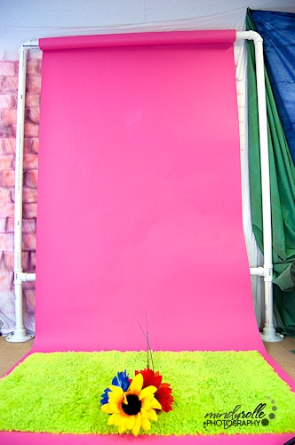 DIY backdrop stand --- instead make a green screen for group photos??