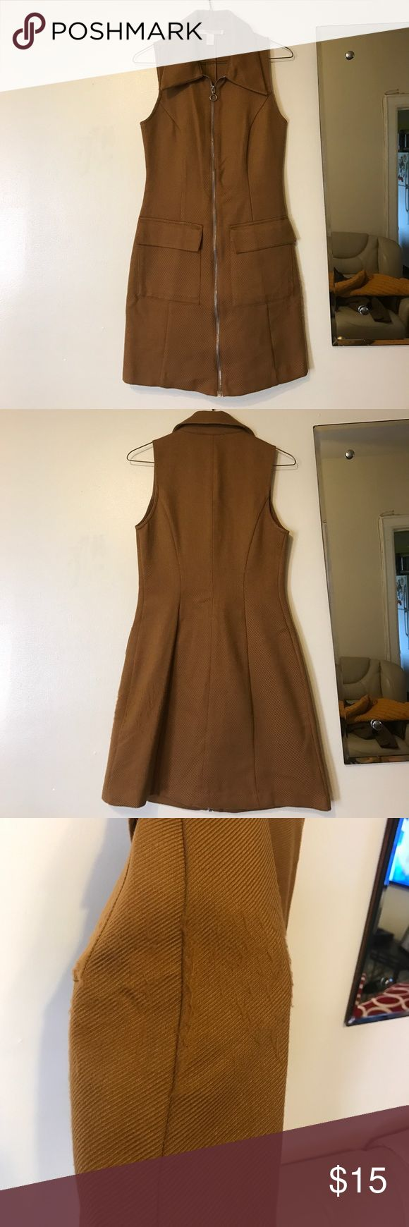 👗Zip Front Casual Dress👗 Beautiful mustard color casual dress from forever 21 with a silver zip up the middle front and two huge pockets on the front. Material pulled a bit from leaning on a wall (shown in pic) but still good. Forever 21 Dresses Midi