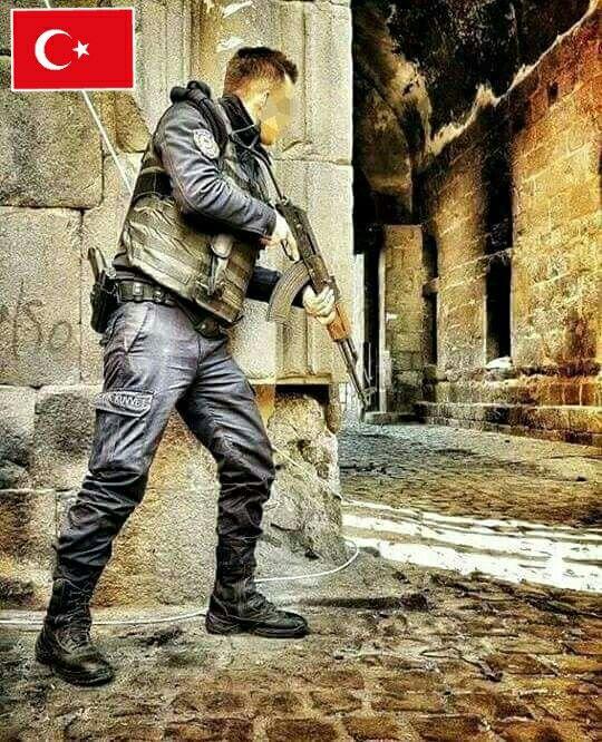 Kahraman Türk Polisi