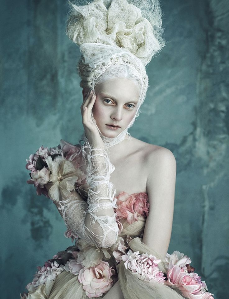 Opulenze a la Marie Antoinette - Dolce & Gabbana Alta Moda by Daniele Duella and Iango Henzi for Vogue Germany 2014