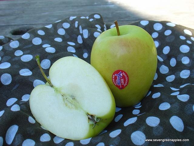 Lemonade Apples by Seven Green Apples, via Flickr