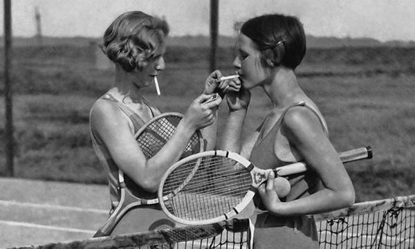 Tennispark Berg & Dal in Den Haag bestaat al ruim 80 jaar en dit moet gevierd worden! Studio Mooijman en Mittelberg werd gevraagd een feestelijke uitnodiging te ontwerpen, volledig in de stijl van de jaren '30.  http://www.mooijmanenmittelberg.nl/