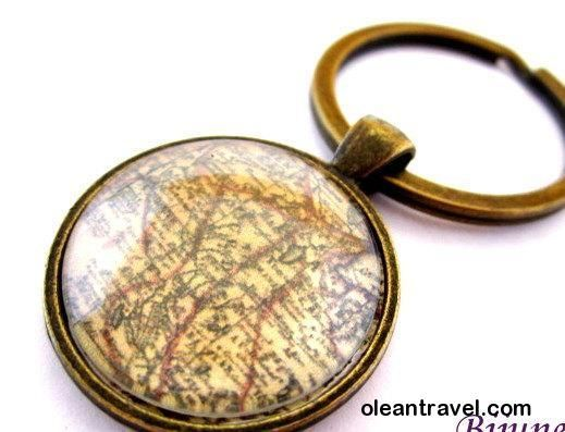 23 best travel keychain chaveiros de viagem images on pinterest world map keychain map keep calm keychain world travel keychain k102 http gumiabroncs Gallery