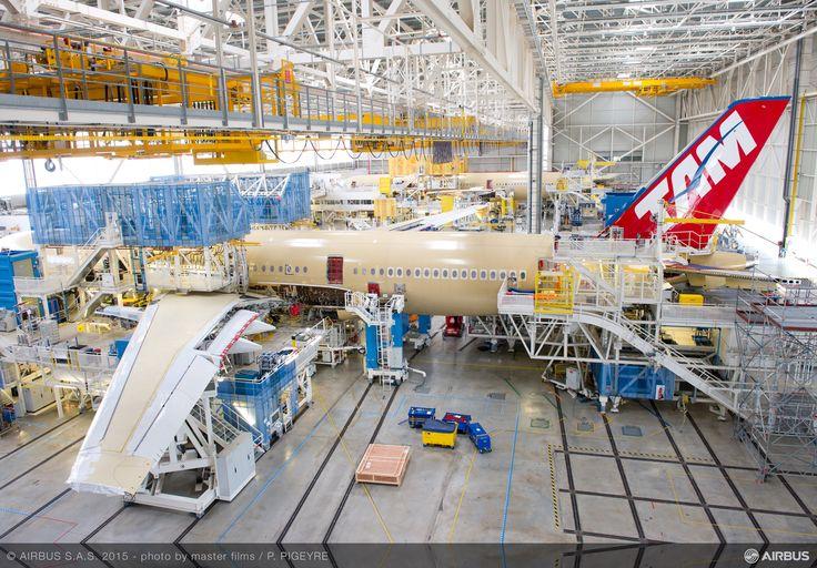 Primul Airbus A350 XWB TAM Airlines prinde contur
