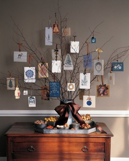Christmas Card Tree Holder - My kids love this and love making this :) - Full how with Martha Stewart