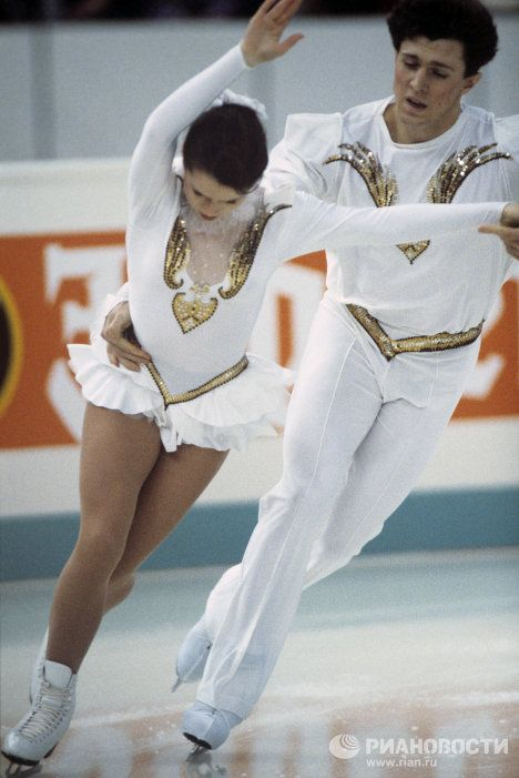 "In the 1990s, Moskvin coached Natalya Mishkutenok and Arthur Dmitriev (pictured). The pair won the World Championships twice (1991, 1992). In 1992, they became Olympic champions in Albertville (France). In 1994, won the ""silver"" at the Olympics in Lillehammer (Norway). Another pair of Moskvina - Elena Bechke and Denis Petrov - won silver medals in Albertville. In the same year, 1992, they became champions of the country, and at the world championship they won silver medals."