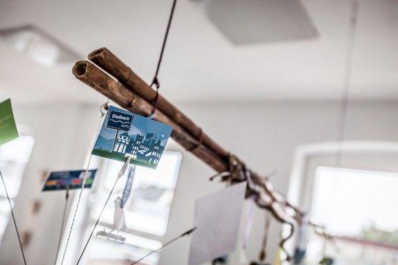 Ebenfalls Element des Themenbaums: ein Foto-Halter, der erst an dieser Stelle richtig zur Geltung kommt.  #homestory #homestoryde #home #interior #design #inspiring #creative #nicole #gretamarkt #loft #moenchengladbach