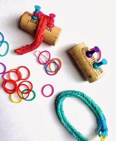maya*made: Lil' Loom -Rainbow Loom using wine cork & pushpins to masked the fishtail pattern.