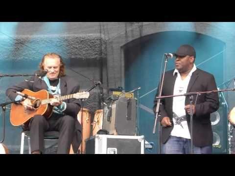 ▶ Hans Theessink  Band - 31. Stadt.Fest.Wien -  17. Mai 2014 - Zambezi