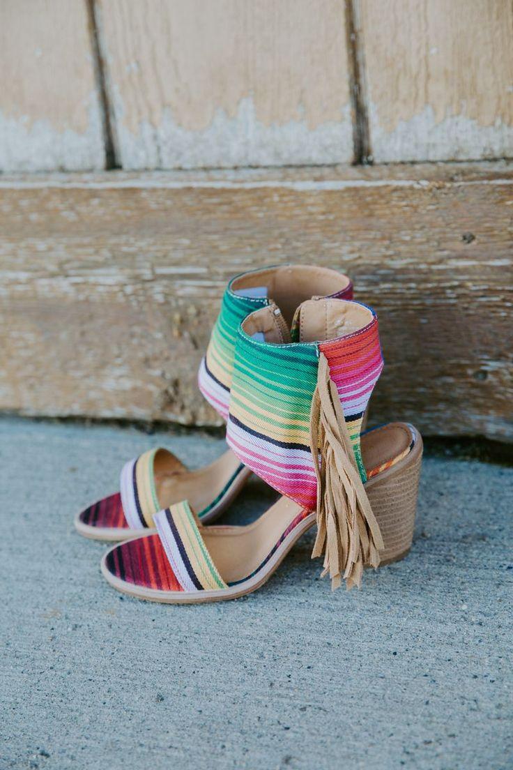 Lovella Heel The colourful weave and long fringe o…