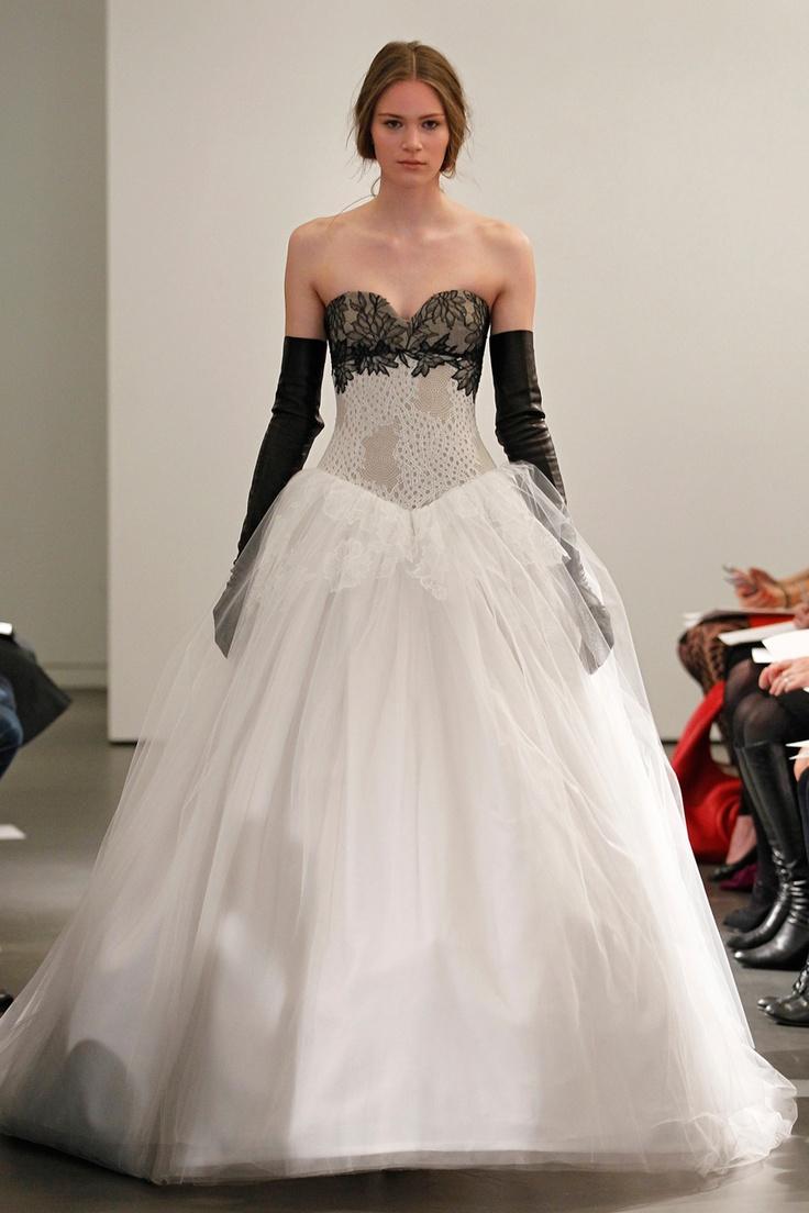 25 best Vera Wang images on Pinterest | Short wedding gowns, Wedding ...