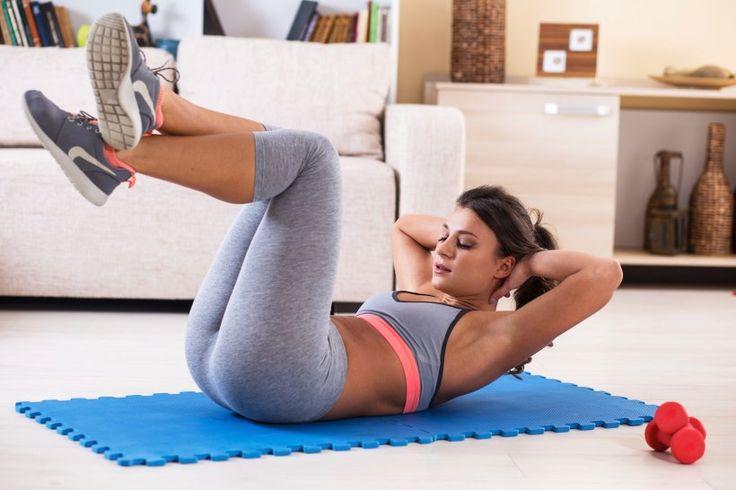 Gesünder und fitter werden, ohne das Haus zu verlassen - Um wirklich fit, gesund und sexy zu werden (oder zu bleiben), muss es nicht immer der Gang ins Fitnessstudio sein. Stattdessen können Sie auch bequem Zuhause trainieren