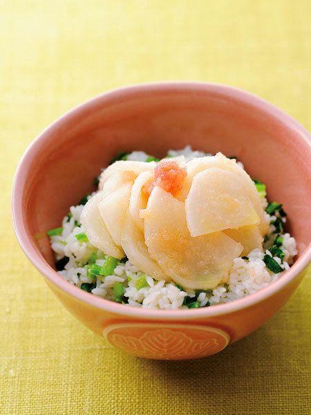 茎や葉まで使える! サラダ感覚のさっぱりどんぶり。|『ELLE a table』はおしゃれで簡単なレシピが満載!