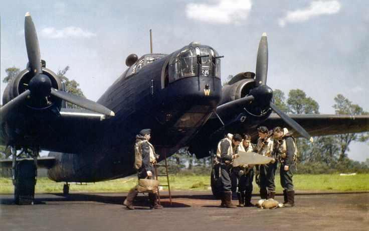 https://flic.kr/p/4RgZLp | Wellington | The Vickers Wellington heavy bomber was Britain's main bomber at the outbreak of the war.