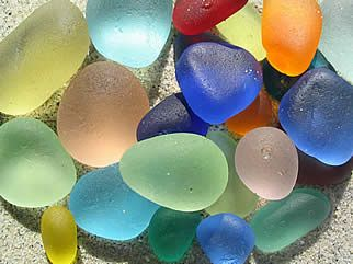 Rarest of the sea glass colors: At The Beaches, Glasses Colors, Natural Colors, Colors Posters, Rarest Sea, Beaches Glasses, Bright Colors, Sea Glasses, Seaglass