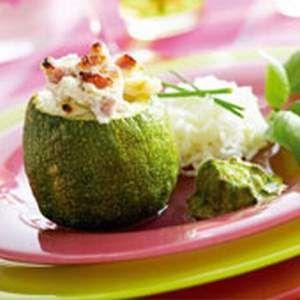 Zucchine ripiene con ricotta e pancetta, ricetta Zucchine ripiene con ricotta e pancetta - alfemminile.com
