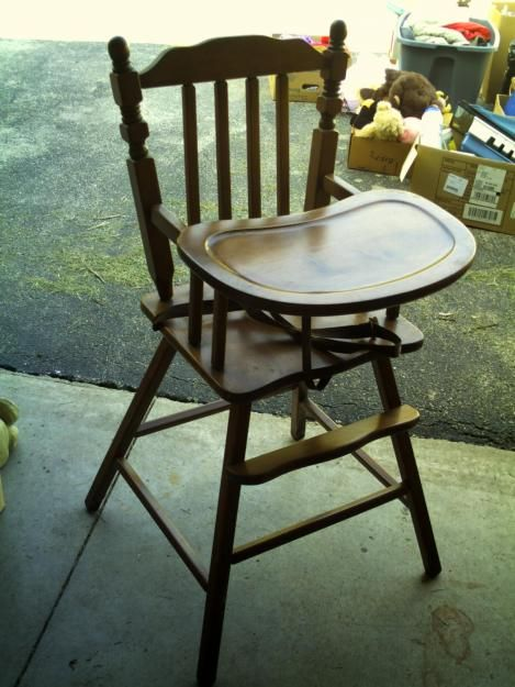 Love this vintage wooden highchair! - 7 Best I Need A Wooden High Chair For Eva! Images On Pinterest