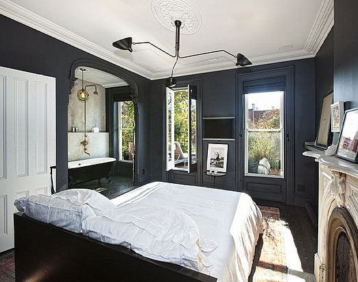 blue & whiteWall Colors, Beds, Black Walls, Brooklyn Townhouse, Dark Walls, Master Bedrooms, Painting Colors, Black Bedrooms, Jenna Lion