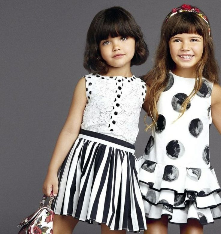 Süße Kindermode -zwei festliche Kleider für kleine Mädchen