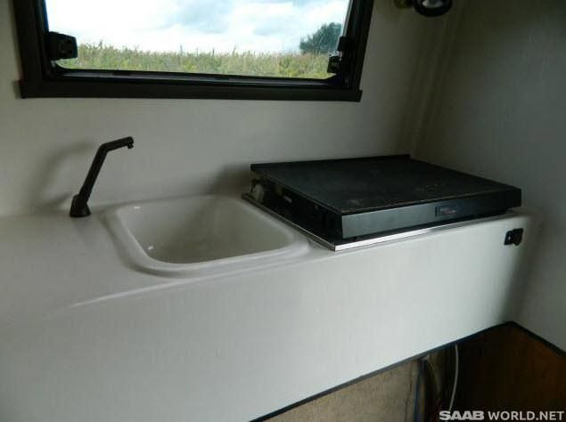 Name:  Saab-900-toppola-sink.jpg Views: 1 Size:  29.5 KB