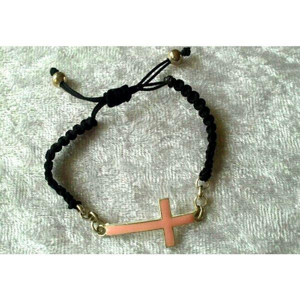 macrame bracelet cross van BeeDelighted Jewelry op DaWanda.com